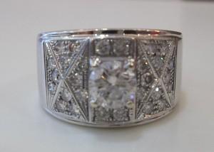 鑽石是如何磨出來的  JEWEL CAFE 收購專門店 興隆店(台北市文山區捷運萬芳醫院站)