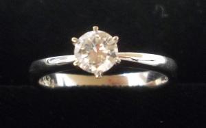 鑽石戒指 收購  JEWEL CAFE 收購專門店 興隆店(台北市文山區捷運萬芳醫院站)