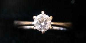 12.11-鑽石不貴!! 高價來自壟斷的市場~