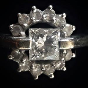 10.10-常見的鑽石內含物-Crysta結晶體(黑點) JEWEL CAFE 鑽石收購專門店-蘆洲店 (新北市)-2