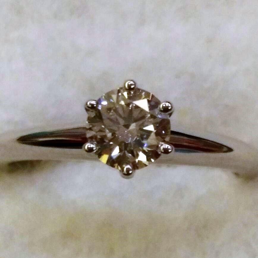 12.10-Tiffany - 0.37c經典六爪鑽戒回收 ◄JEWEL CAFE 鑽石收購專門店-蘆洲店 (新北市)►2
