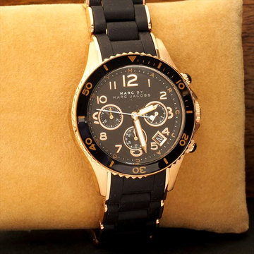 收購MARC BY MARC JACOBS 腕錶