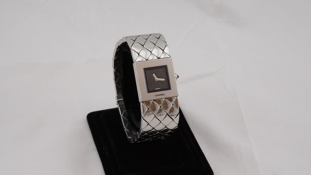 收購CHENL 菱紋錶帶石英錶