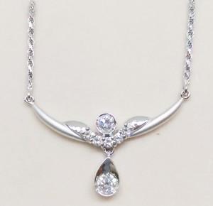 造型鑽石項鍊