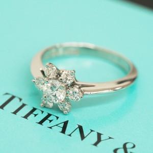 收購蒂芙妮鑽石戒指