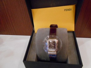 FENDI名牌手錶也能收購