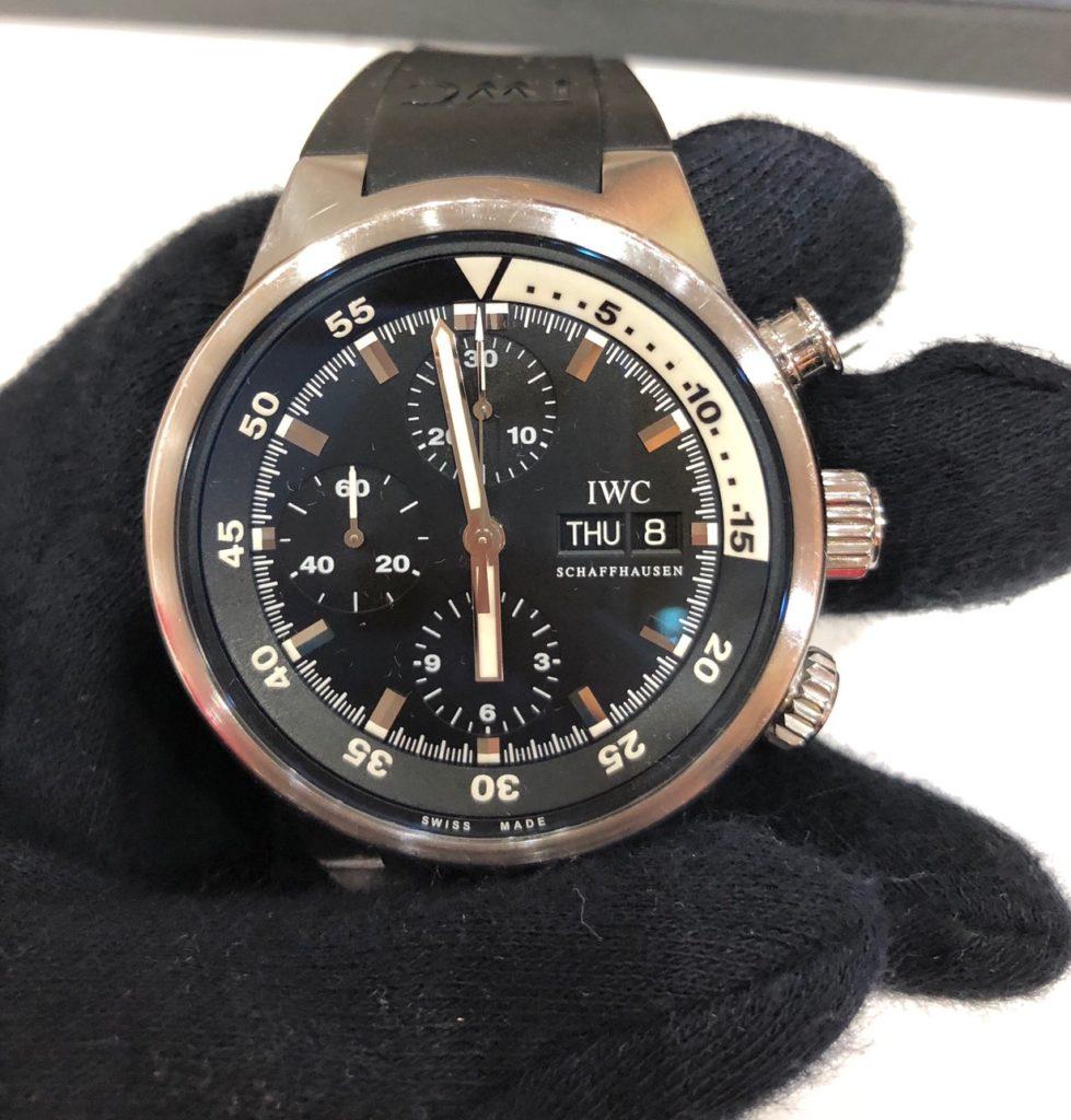 這張圖片的 alt 屬性值為空,它的檔案名稱為 收購IWC機械名錶-979x1024.jpg